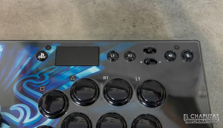 Razer Panthera EVO Vista Botones Sistema