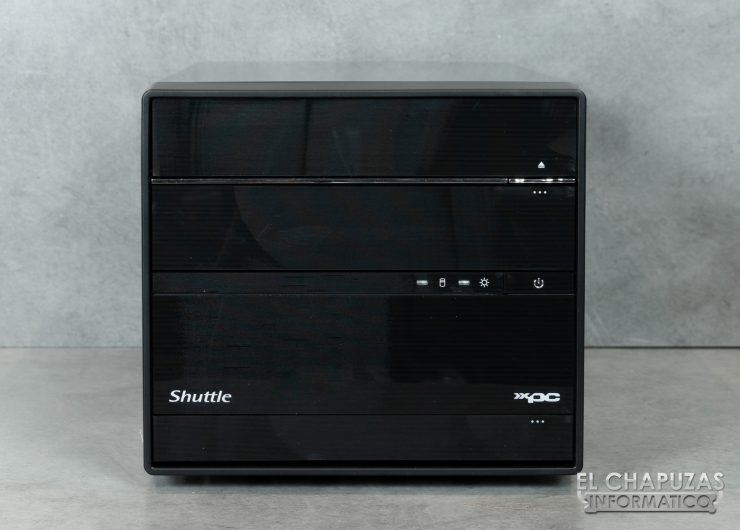 Shuttle SH370R6 Plus Vista Frontal