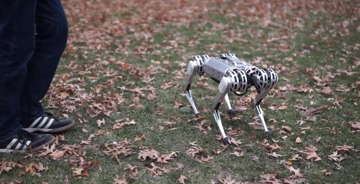 mini cheetah MIT robot 740x378 0