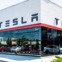 Walmart demanda a Tesla por sus paneles solares: algunos se han incendiado en sus tiendas