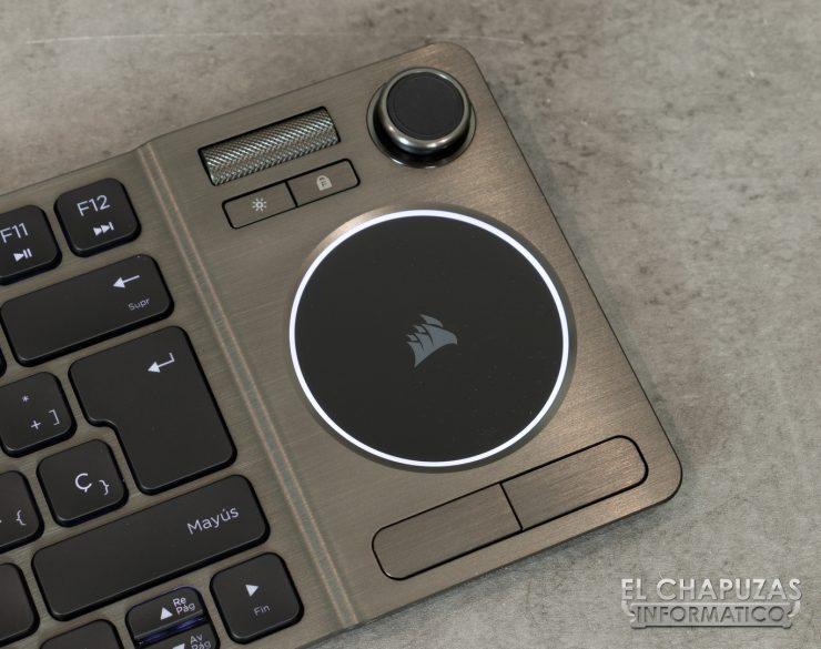 Corsair K83 - Touchpad y rueda