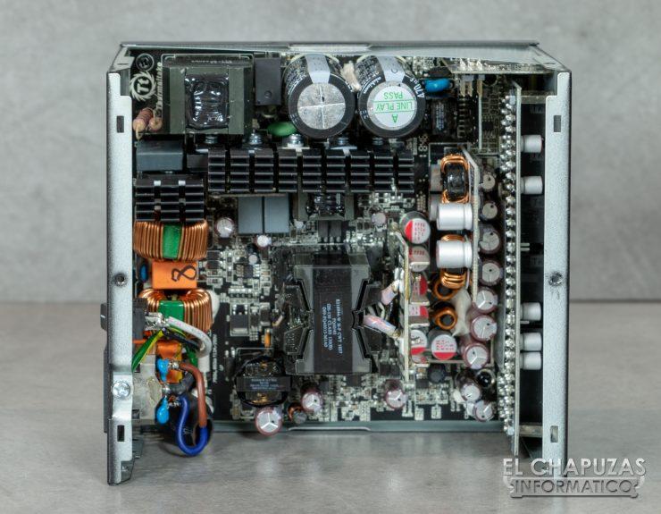 Thermaltake Toughpower iRGB Plus - Interior 2