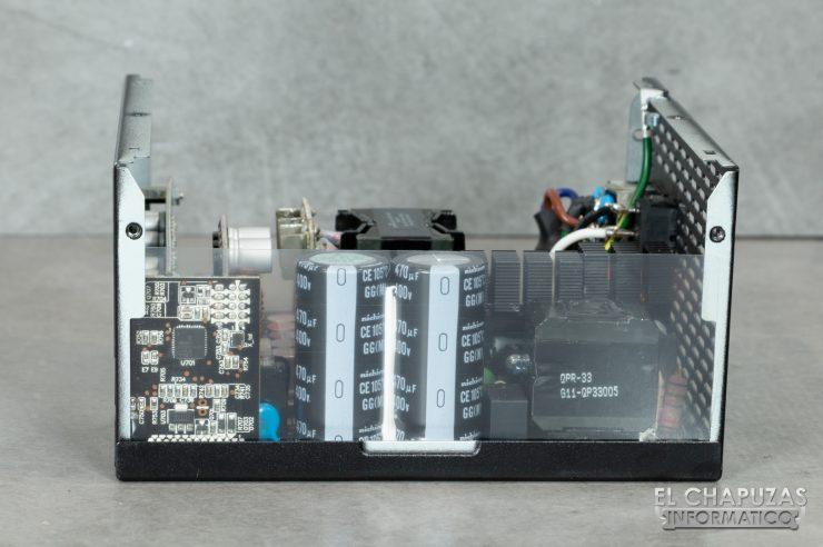 Thermaltake Toughpower iRGB Plus - Interior 4