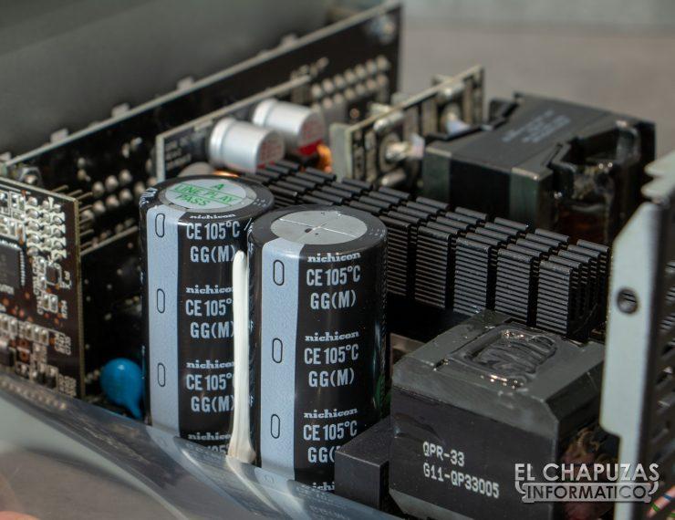 Thermaltake Toughpower iRGB Plus - Interior 5