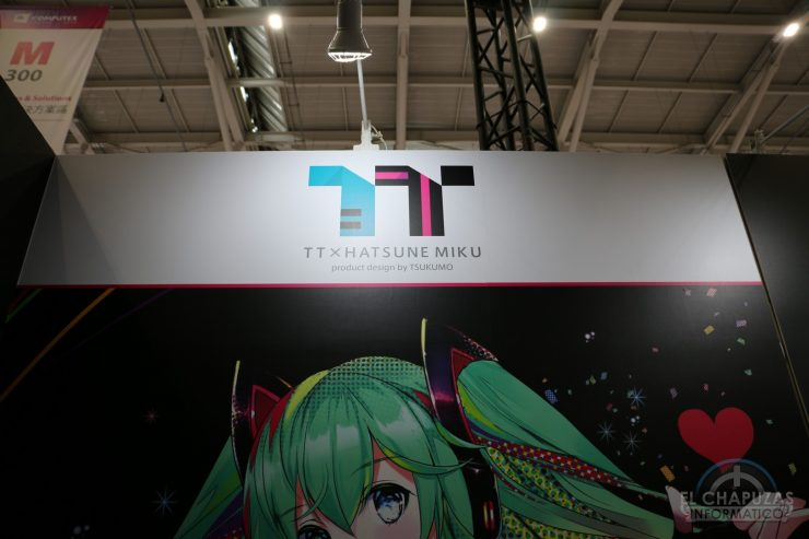 Thermaltake Hatsune Miku - Stand