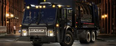 Así es el nuevo camión eléctrico de Mack: un camión de la basura