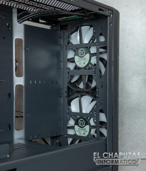 Thermaltake Commander C36 TG ARGB Edition - Interior 3