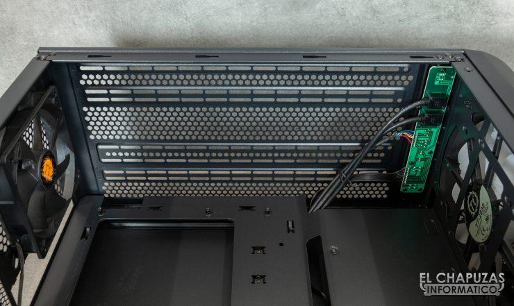 Thermaltake Commander C36 TG ARGB Edition - Interior 5