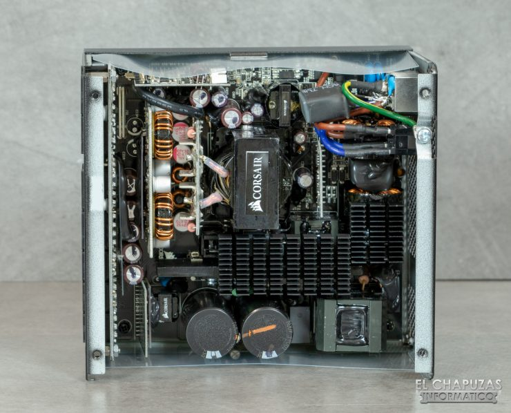 Corsair RM Series - Vista Interior - Componentes