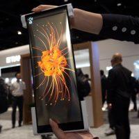 BOE ya tiene un panel OLED enrollable para crear smartphones con pantallas de 12.3 pulgadas