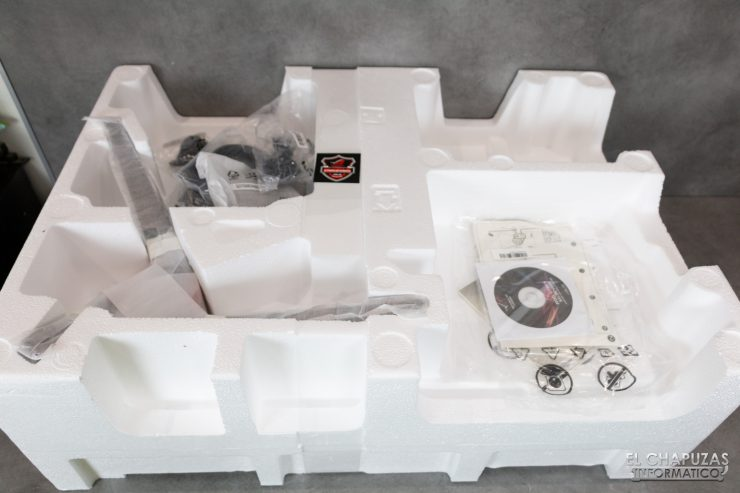 Asus ROG Strix XG32VQR 02 740x493 3