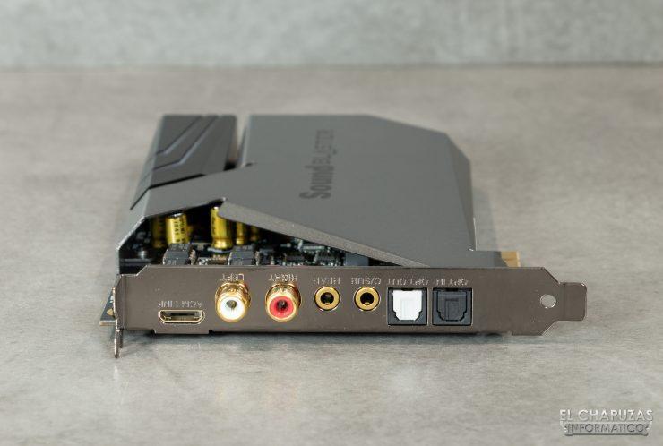 Conexiones de la tarjeta de sonido Sound Blaster AE-9