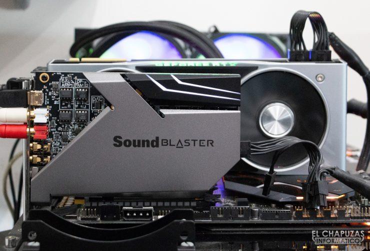 Creative Sound Blaster AE-9 conectada al equipo de pruebas