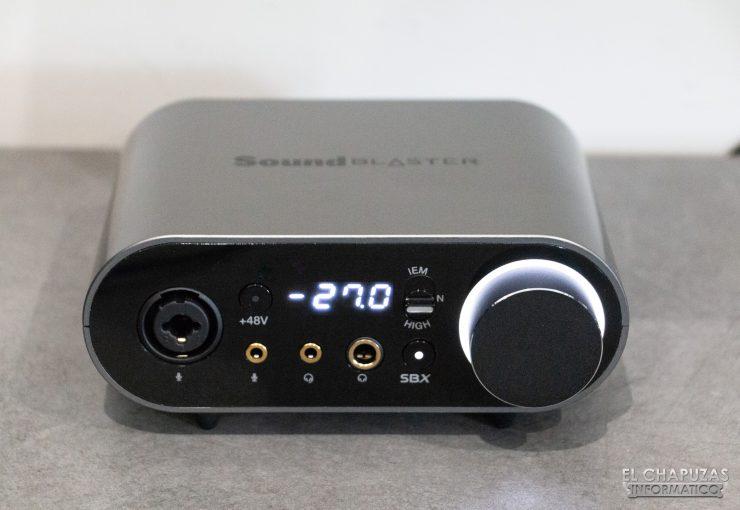 Modulo externo de la Creative Sound Blaster AE-9 encendido