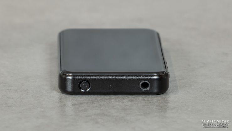 FiiO M6 - Botón encendido y jack