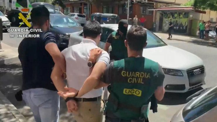 Guardia Civil deteniendo a Lupin 740x416 0