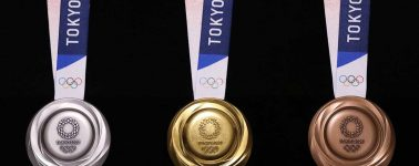 Tokyo revela sus medallas olímpicas compuestas por materiales tecnológicos reciclados