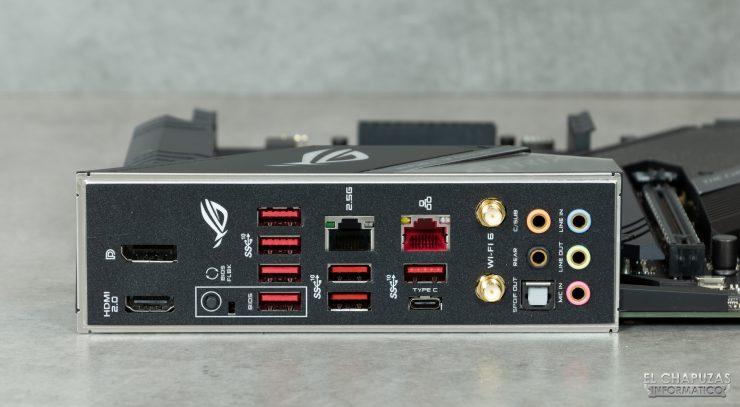 Asus ROG Strix X570-E Gaming - Conectores traseros