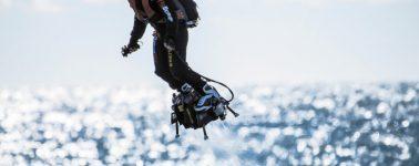 El inventor Franky Zapata cruza con éxito el Canal de la Mancha con su Flyboard Air