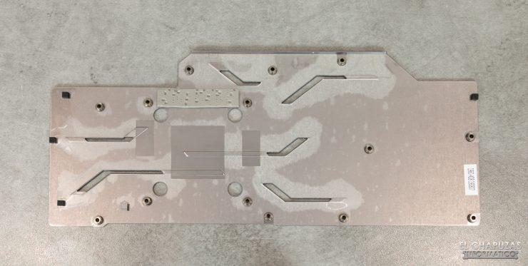 MSI GeForce RTX 2080 SUPER Gaming X Trio - Backplate desmontado