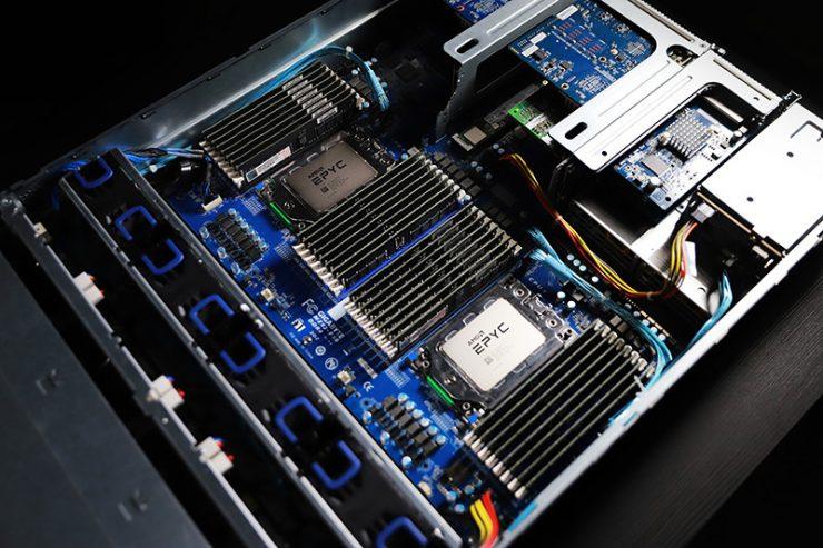 Recod AMD EPYC ROME Gigabyte R282 Z90 2 740x493 0