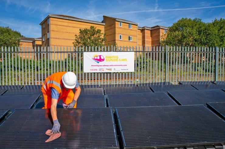 Reino Unido tren energía solar