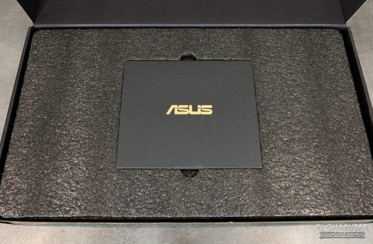 Asus ROG Strix Radeon 5700 XT - Embalaje 3