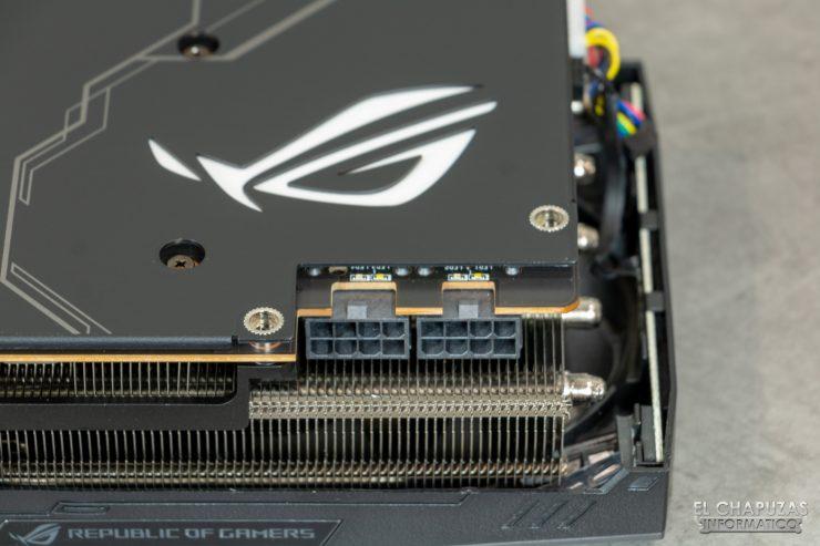 Asus ROG Strix Radeon 5700 XT - Conectores PCIe alimentación