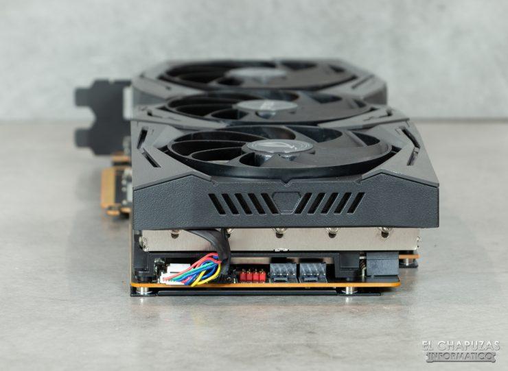 Asus ROG Strix Radeon 5700 XT - Lado posterior