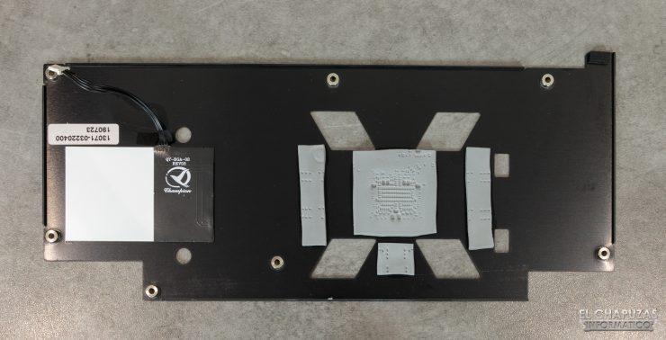 Asus ROG Strix Radeon 5700 XT - Backplate desmontado