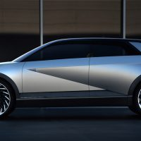 Así es el Hyundai 45 Concept, un automóvil eléctrico con un diseño futurista y retro