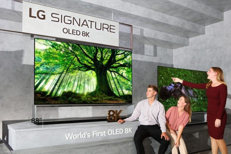 LG Signature OLED 8K 740x494 0