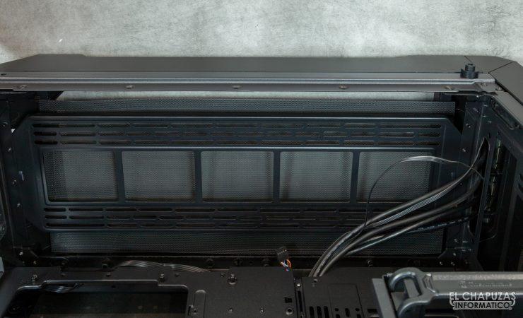 Thermaltake View 71 TG ARGB - Interior - Lado superior