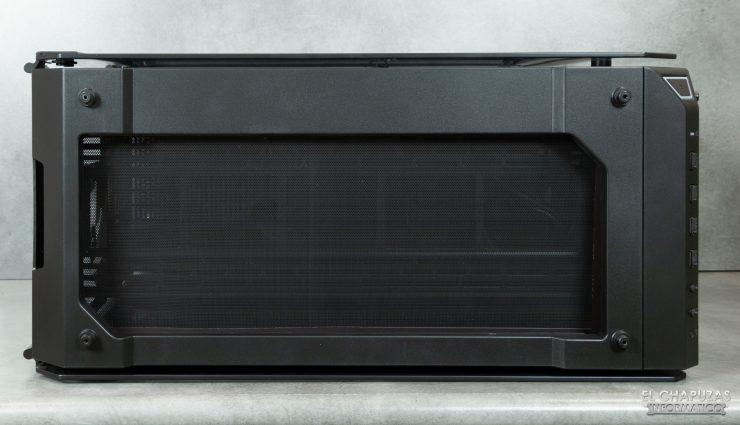 Thermaltake View 71 TG ARGB - Interior - Lado superior desde fuera