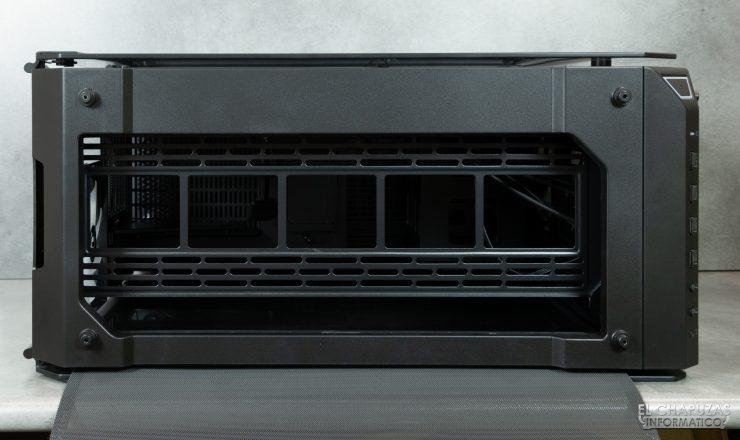 Thermaltake View 71 TG ARGB - Interior - Lado superior desde fuera sin filtro