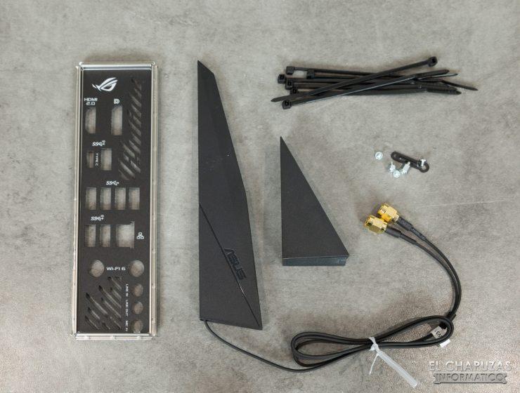 Asus ROG Strix X570-I Gaming - Accesorios