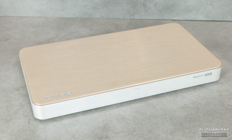 QNAP HS-453DX - Vista superior