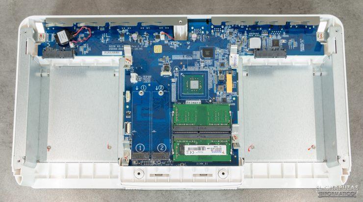 QNAP HS-453DX - Interior