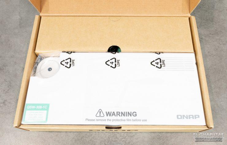 QNAP QSW-308 - Embalaje interior