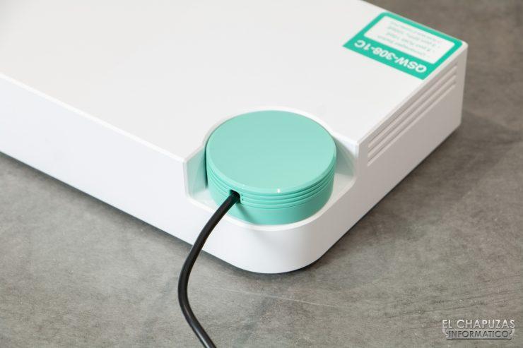 QNAP QSW-308 - Conector alimentación