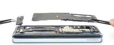 iFixit muestra el despiece del nuevo Galaxy Fold: así intentó Samsung solucionar el desastre