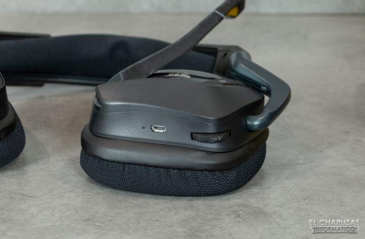 Corsair VOID RGB Elite Wireless - Cúpula izquierda por abajo