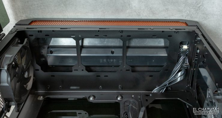 Cougar Gemini T - Lado superior interior