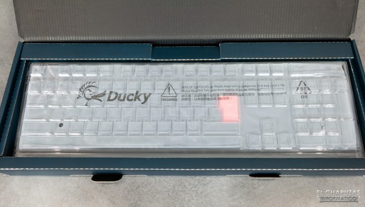 Ducky One 2 RGB - Embalaje interior