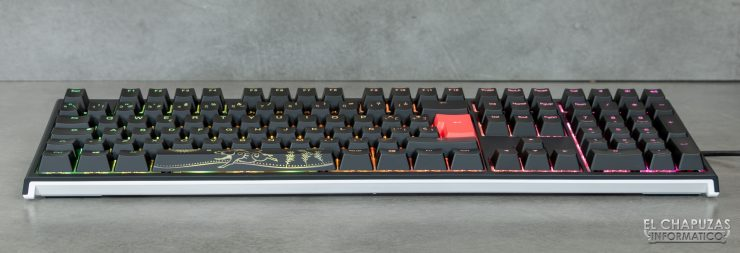 Ducky One 2 RGB - Margen frontal