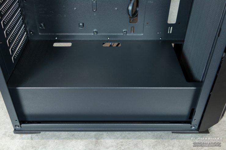 Antec NX800 - Interior - Carenado de la fuente de alimentación