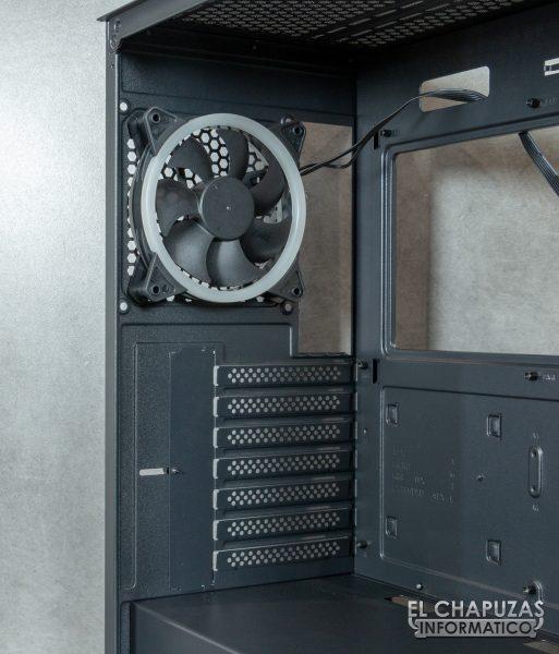 Antec NX800 - Interior - Lado trasero