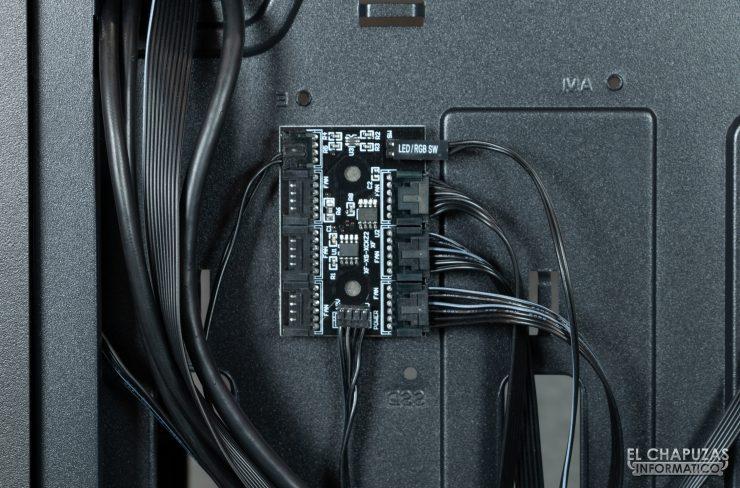 Antec NX800 - Interior - Controladora ARGB
