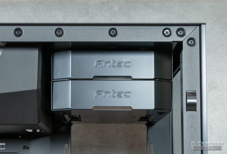 Antec P120 Crystal - Interior 1