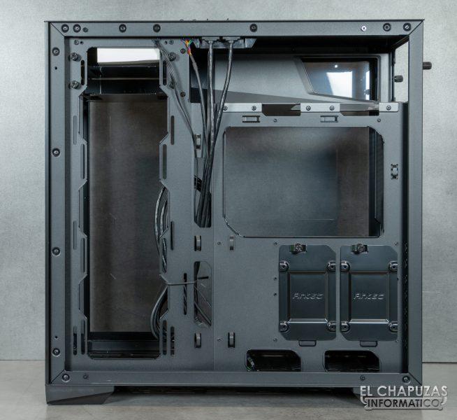 Antec P120 Crystal - Interior 7
